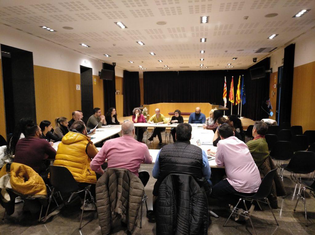 En la fotografía podemos ver la sesión inagural de la formación en Prevención de Conflictos que la cooperativa Espai Coneix está realizando para el Ayjntamiento de Barcelona